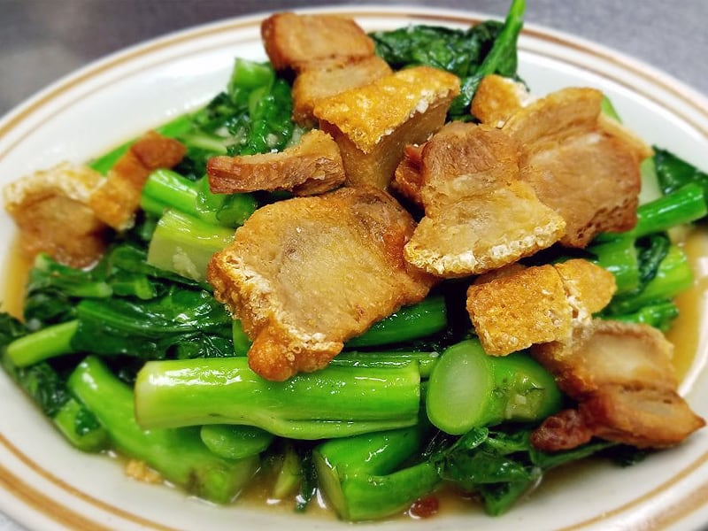 Chinese Brocoli with Crispy Pork